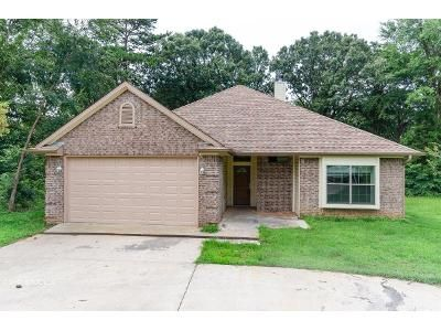 3 Bed 2 Bath Foreclosure Property in Flint, TX 75762 - Highmeadow Circle