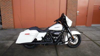 2018 Harley-Davidson FLHXS - Street Glide Special