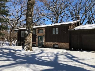 4 Bed 2 Bath Foreclosure Property in Emmons, MN 56029 - 120th St