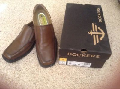 Dockers brown slip on dress shoes 10 1/2 - like new