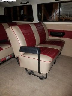 Middle seat Type 2 Bus