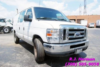 2013 Ford E-250 Super Duty Work Van