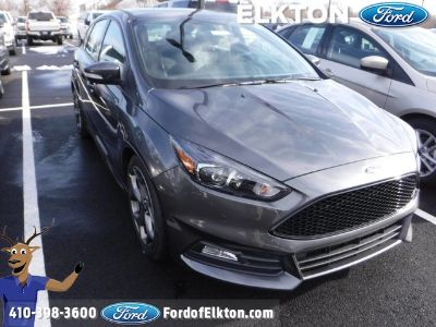 2018 Ford Focus ST (Magnetic Metallic)