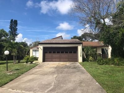 2 Bed 2 Bath Preforeclosure Property in Melbourne, FL 32935 - Sparrow Ct