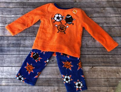3t. SUPER SOFT sports themed outfit