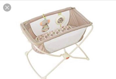 Bassinet/ can also rock from side to side