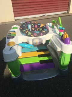 Baby step and play piano