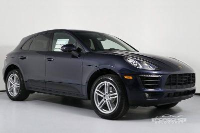 2018 Porsche Macan (Blue)