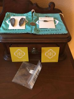 Kendra Scott Etta Necklace and matching Earrings