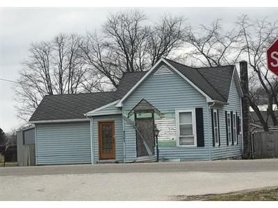 3 Bed 1 Bath Foreclosure Property in Terre Haute, IN 47802 - State Rd. 63 S
