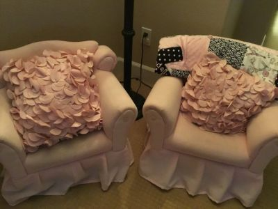 Set of 2 Pink Arm Chairs for Toddlers