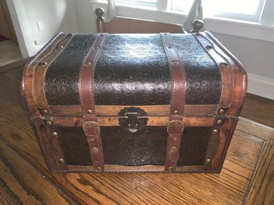 Small light weight chest