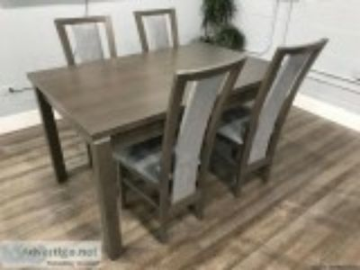 New exdable dining room table and chairs