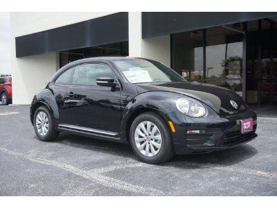 2019 Volkswagen Beetle (Deep Black Pearl)