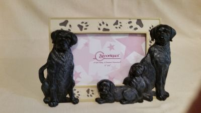 Excellent condition Spoontiques adorable ceramic Labrador frame. Just too cute!