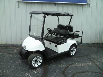 2010 E-Z-Go RXV Gasoline Golf carts Union Grove, WI