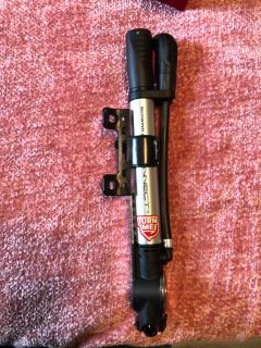 Schwinn bicycle pump mounts on bike