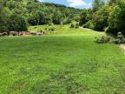 Beautiful Level Lot -Charles Farm Drive