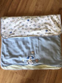 Cute reversible blanket. Cute for a puppy or a baby