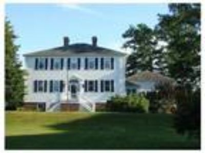 Four BR 2.5 BA Southborough Luxury Home for Rent! Truly Stunning!