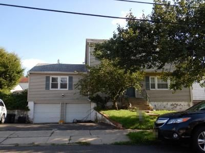 6 Bed 2 Bath Preforeclosure Property in Bergenfield, NJ 07621 - Hallberg Ave