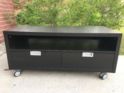 Gorgeous Heavy Black TV Stand in Excellent Condition.