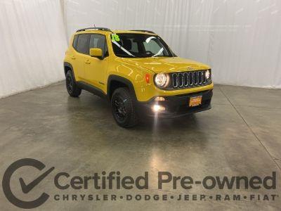 2018 Jeep Renegade Latitude (Solar Yellow)