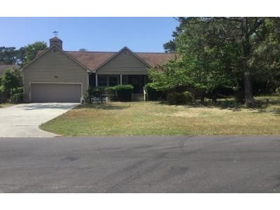 3 Bed 2.0 Bath Preforeclosure Property in Supply, NC 28462 - Clubhouse Dr SW