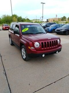2017 Jeep Patriot Latitude (Deep Cherry Red Crystal Pearlcoat)