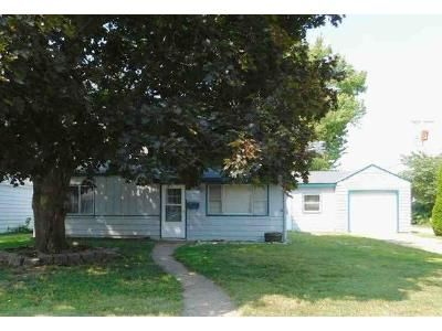 3 Bed 1 Bath Foreclosure Property in Burlington, IA 52601 - Pine St