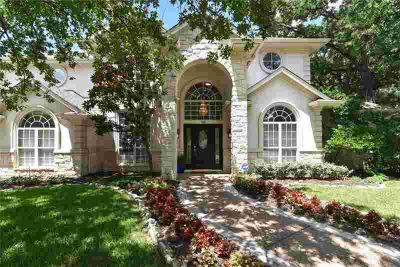 1900 Valley Oaks Court IRVING Four BR, You won't want to miss