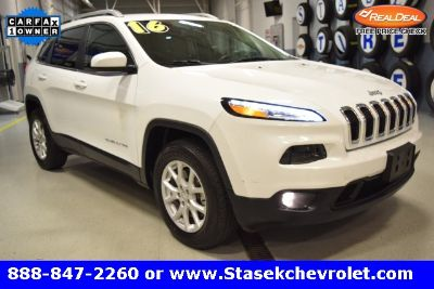2016 Jeep Cherokee Latitude (white)
