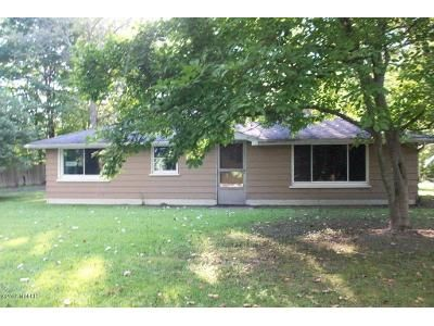 2 Bed 1 Bath Foreclosure Property in Benton Harbor, MI 49022 - Pier Rd