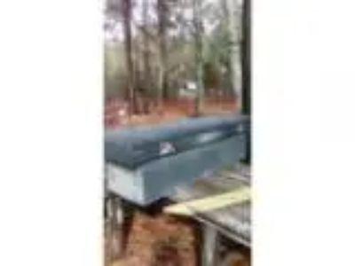 Truck tool box (gaston)