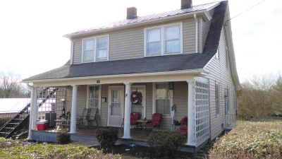 175 Maynor St ROCKY MOUNT Three BR, Located in the heart of