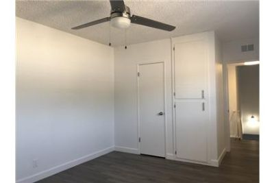 RENOVATED 2 FLOOR TOWNHOUSE WITH REMODELED KITCHEN