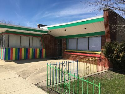 HUGE MAYWOOD ILLINOIS STOREFRONT FOR RENT