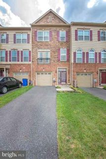 1637 W Matisse Dr MIDDLETOWN Three BR, Immaculate brick and stone