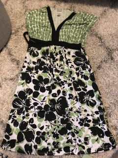 Green and black maternity dress, large