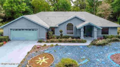 9460 Weeks Drive Brooksville Three BR, Well maintained home in