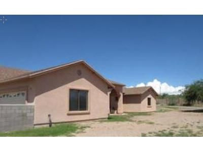 4 Bed 3 Bath Foreclosure Property in Rio Rico, AZ 85648 - Circulo Tumbleweed