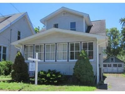3 Bed 1 Bath Foreclosure Property in Schenectady, NY 12304 - Bradford Rd