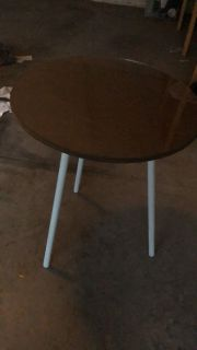 Round blue and brown table