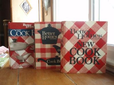 $10 Better Homes and Garden cookbooks