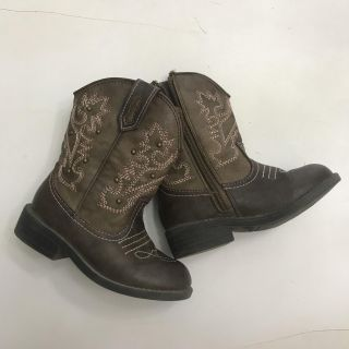 Size 8 Cowgirl boots - beautiful condition