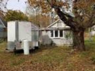 Single Family Cottage Style Home $19,900 Handyman Special