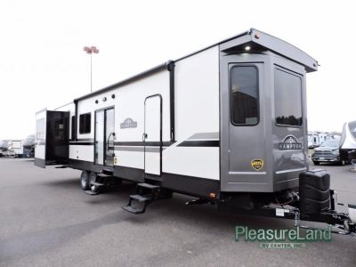 2018 Crossroads Rv Hampton HP373RDD