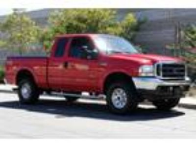 FORD F-250 with Bed Cover