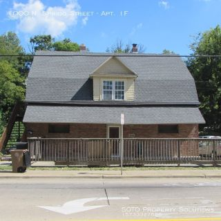 3 BD/1 BA lower level apartment across from SEMO Campus
