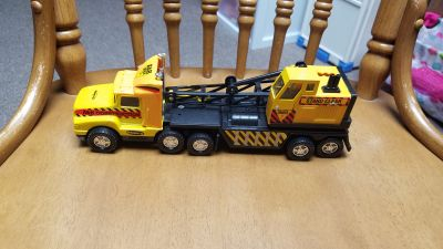 Remco tractor trailer with crane
